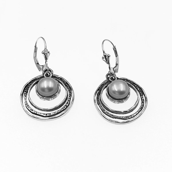 pearl in thrtee circles sterling earring