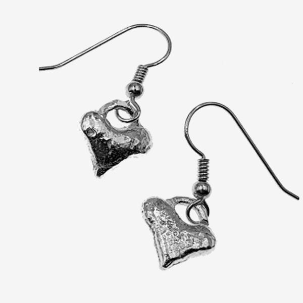 heart earriongs